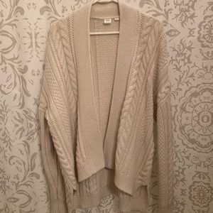 GAP Sweaters - GAP cable knit cardigan